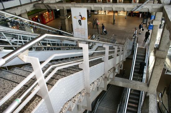 Gare montparnasse int rieur du hall photo de for Plan interieur gare montparnasse