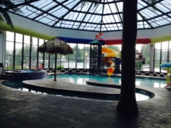Pool Area Picture Of Comfort Inn Kent Kent Tripadvisor
