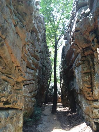 Cherokee Rock Village : Beautiful rock walls