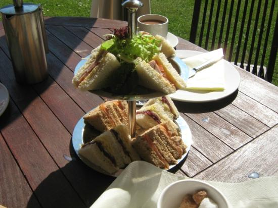 Northrepps Cottage Country Hotel: Finger sandwiches