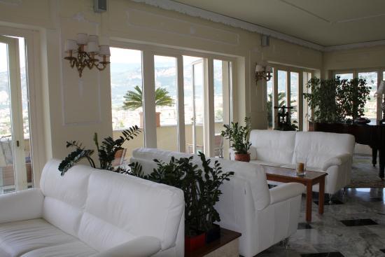Cristina Hotel : Lobby of hotel