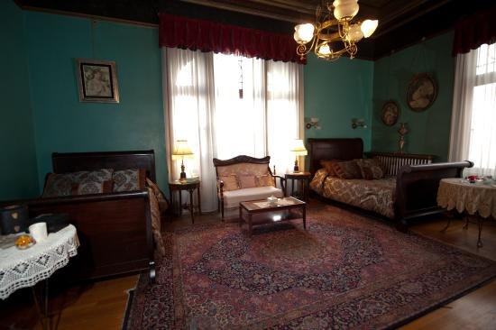 Copper King Mansion: Family Suite 150.00