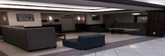 Holiday Inn Express Hauppauge: Main Lobby