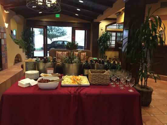 Ayres Hotel Redlands: 5pm-7pm wine and appetizers : )