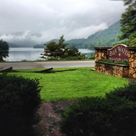 Blue Waters Mountain Lodge : View from the porch