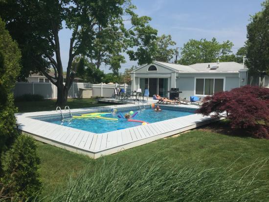 Remsenburg, État de New York: Pool toys came with the rental!!
