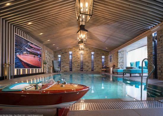 Grandes alpes private hotel spa courchevel voir les for Boutique hotel ski