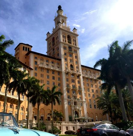 City Tour in an Antique Car: Private Miami Tour by Legendary American Vintage Convertible