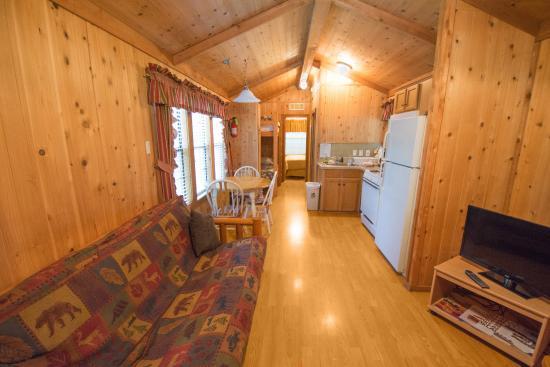 Oklahoma City East KOA : Inside Deluxe Cabin