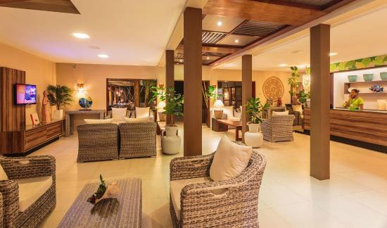 A recep o do hotel e sala de estar um ambiente acolhedor for Sala de estar de un hotel