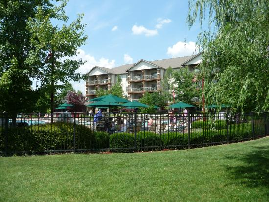 Marriott's Willow Ridge Lodge: Pool and buildings