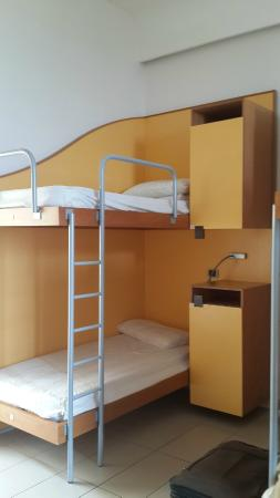 Seven Hostel: CUARTO