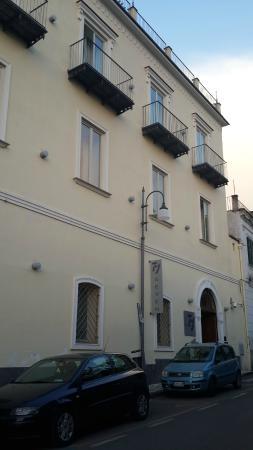Seven Hostel: FACHADA