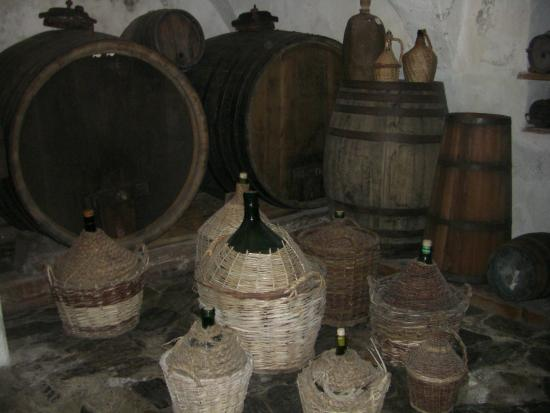 South Tyrolean Folklore Museum: Cantina