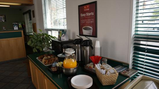 Econo Lodge Prineville: Continental Breakfast