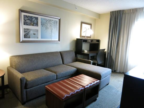 Staybridge Suites McLean-Tysons Corner : Living area