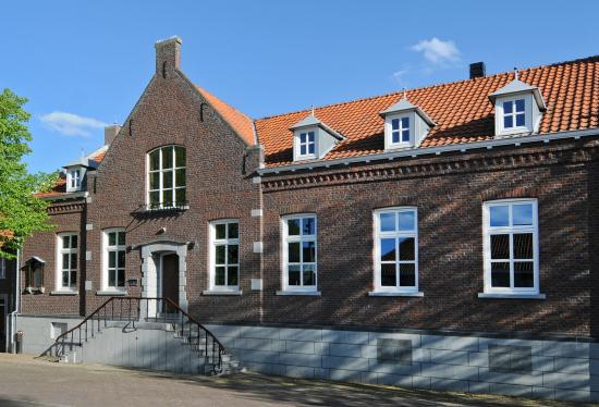 Hotebb Het Raadhuys - Design B&B