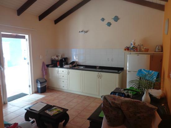 Blachi Koko Apartments Bonaire: kitchen - dining room