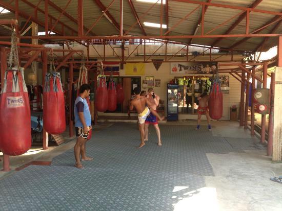 J Prapa Muaythai Gym
