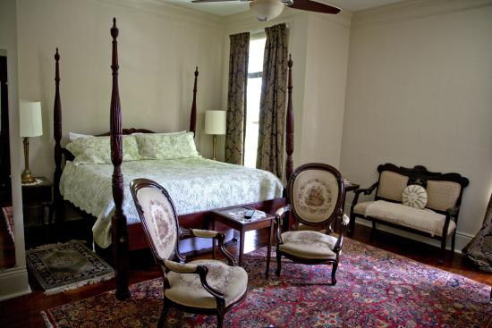 Audubon Park House Bed & Breakfast