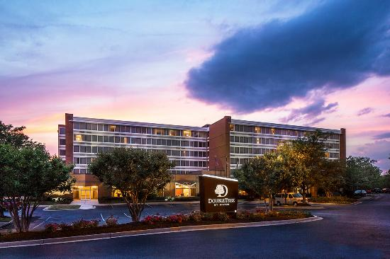 DoubleTree by Hilton Hotel Largo/Washington DC