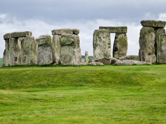 the description of the ancient monument of stonehenge and its historical significance The stonehenge monument itself is managed by english heritage and owned by the crown stonehenge holds great religious significance for neo-druidry in 1905 there was a mass initiation of druids held by the ancient order of druids at stonehenge they.