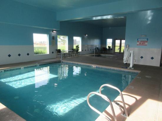 Sunnyside, WA: Pool and Hot tub