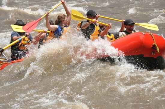 Rock Gardens Rafting: Splash!!!