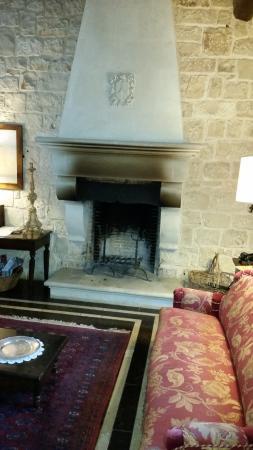 Eremo della Giubiliana : One of the comfortable sitting and reading areas at Eremo