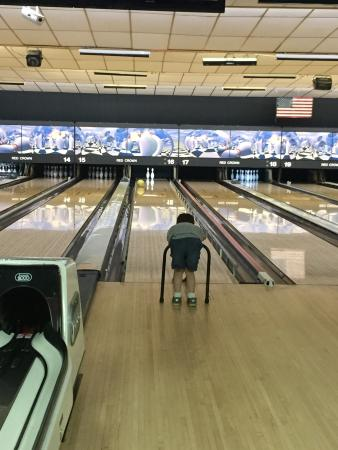 Red Crown Bowling: extra help with ramp and bumper?!