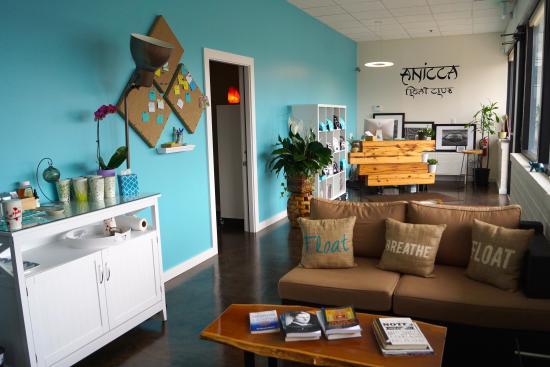 Anicca Float Club