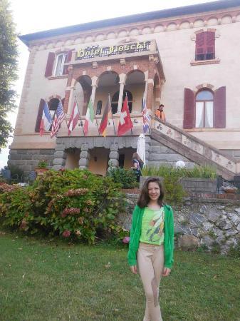 Hotel Villa Fieschi : hermoso parque y fachada del hotel