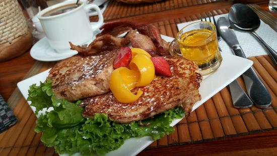 Cafe by the Ruins: French Toast w/ Bacon and Fruit
