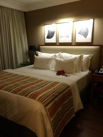 George V Alto de Pinheiros Hotel: Cama