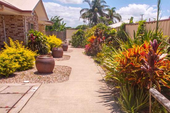 Redland Bay Motel: Courtyard