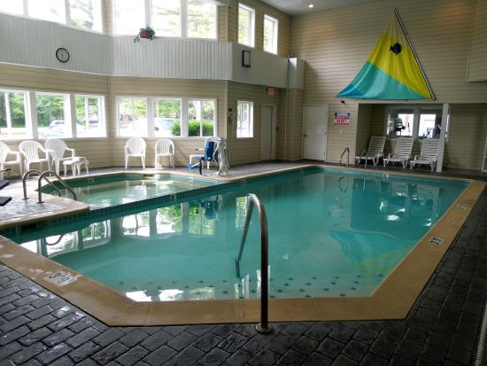 Comfort Inn Traverse City: Pool & Hot Tub
