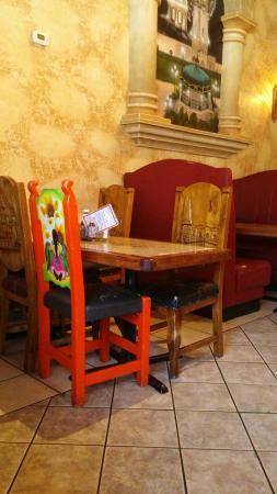 El Vallarta Mexican Restaurant: Nice seating arrangements.