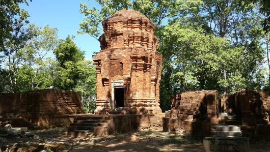 Aranyaprathet, Thailand: Front view of Prasat Khao Noi