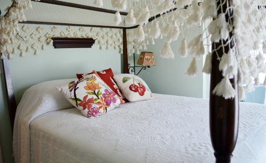 Oviatt House Bed and Breakfast: Lewis Room