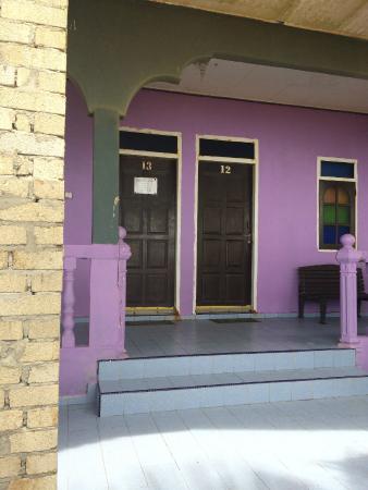 Rantau Abang, ماليزيا: CHALET FAMILY ROOM NO 13,14,15(WE BOOKED)