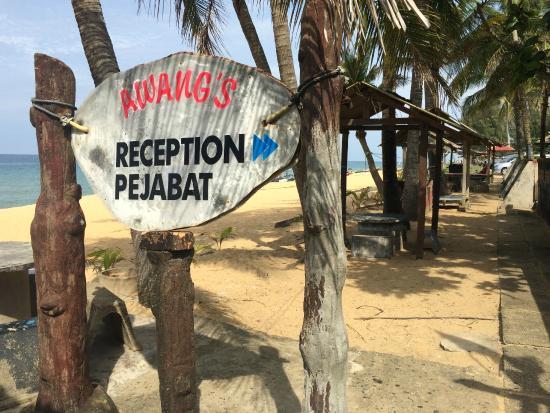 Awang Beach Resort: RECEPTION COUNTER
