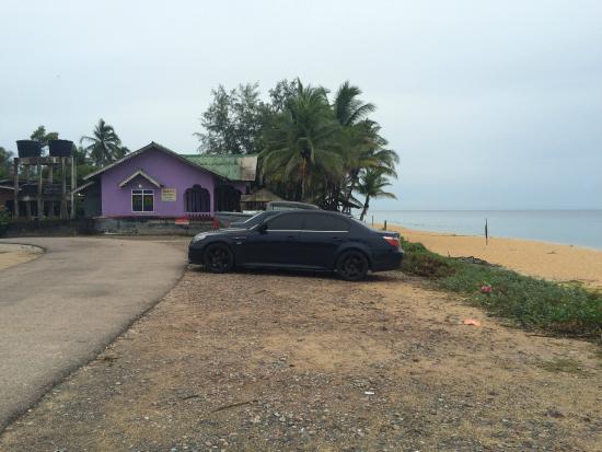Rantau Abang, Malásia: PARKING LOTS