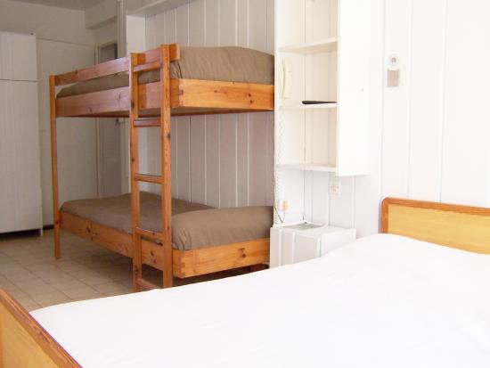 Hotel La Parenthese : chambre familiale simple 4 personnes