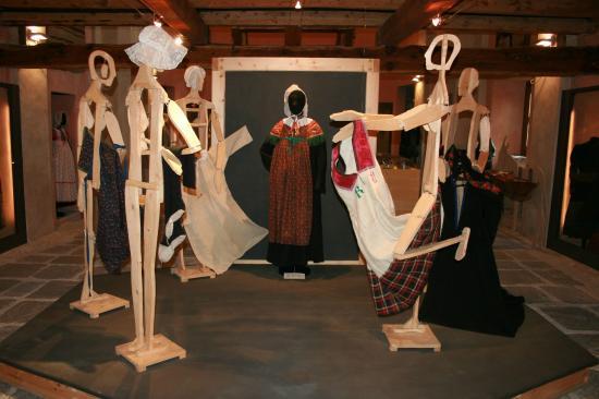 Museo del Costume e dell'Artigianato Tessile