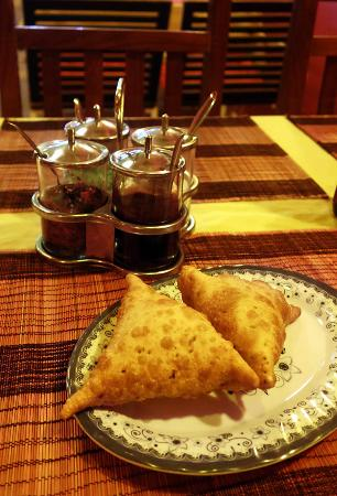 ABABA Curry House : Samosas