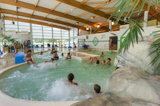 piscine de 25m couverte photo de domaine de chalain doucier tripadvisor