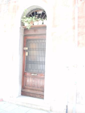 B&B Ca' Isidoro: porta ingresso