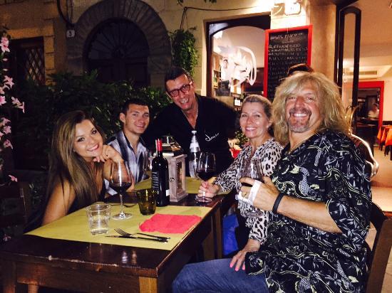 La Corte dei Vini : Good times!! Molto Bene!!