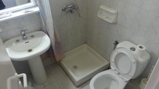 Morfeas Hotel Bathroom