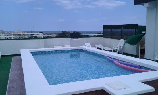 Piscina infantil picture of hotel porto playa de gandia for Piscine valencia